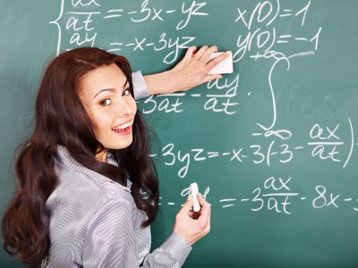 Teaching others what you know is an incredibly powerful way to become known. (image source: 123rf.com)